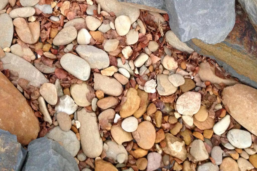 Hot rock boiling stones