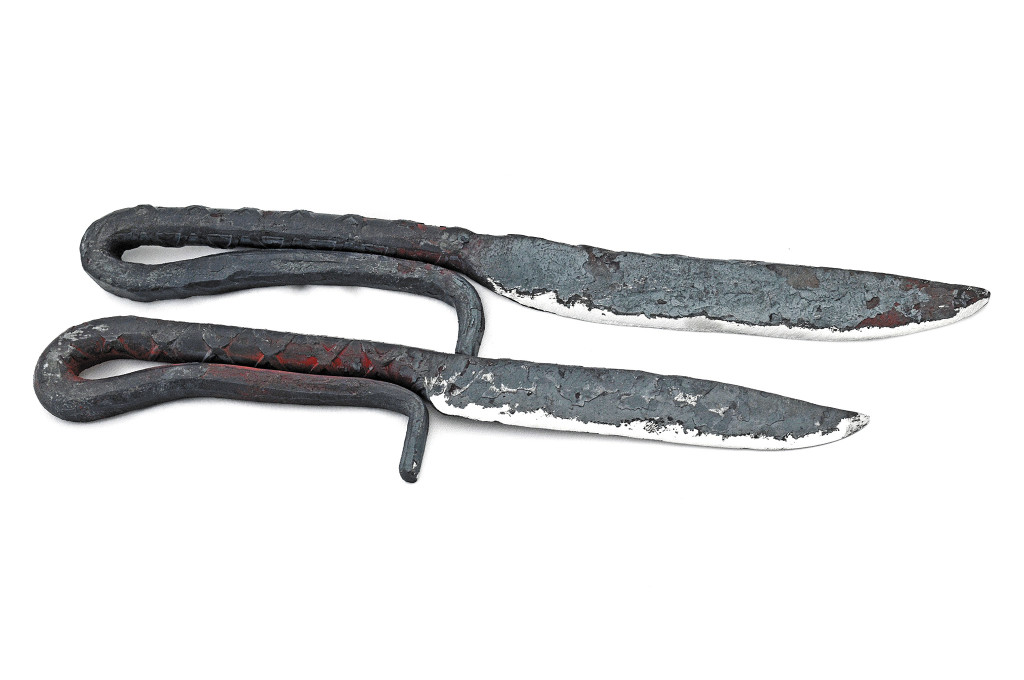 couple-of-diy-knifes-made-from-steel-tubing