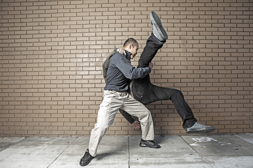defence-fighting-counter-attack-to-attacker-going-to-choke-you-step-7