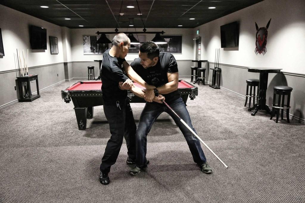 using-filipino-self-defense-tactics-for-when-shtf-beginning-of-zero-pressure-004