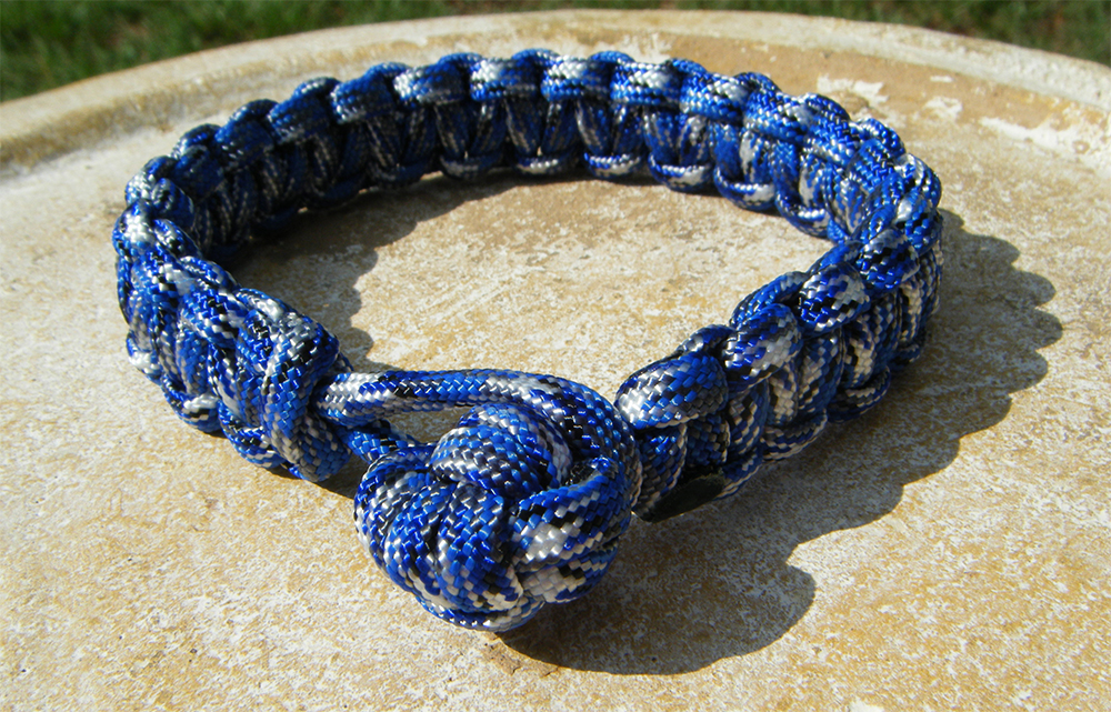 Paracord ball keychain weave knot 6